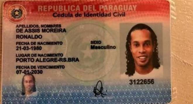 RG falsificado de Ronaldinho