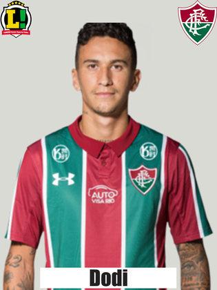 Dodi: 6,0 – Tem facilidade para a saída de bola e quase fez um gol de longa distância graças ao desvio em Vitor Hugo.