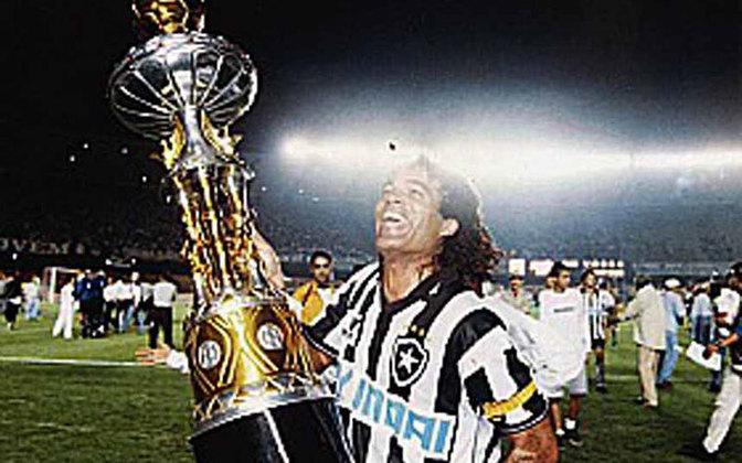 Dois anos depois, o Glorioso levantou o troféu do Campeonato Carioca (1997) ao derrotar o Vasco na final. Um ano depois, a taça do torneio Rio-São Paulo foi para General Severiano.