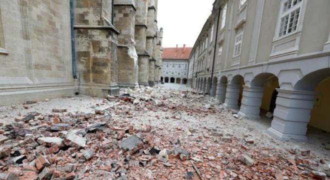 Governo croata alerta população para evitar aglomerações após desastre
