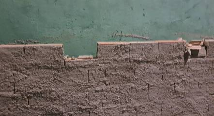 Briga teria sido motivada por tijolo quebrado