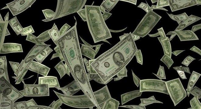 Cotação do dólar muda planos de viagem de turistas
