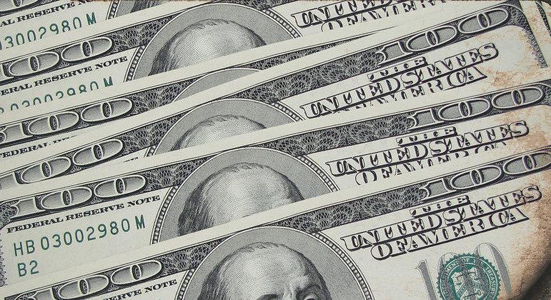 Dólar abre em queda com mercado atento a futura secretária do Tesouro nos EUA
