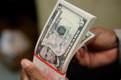 Dólar opera em alta e chegou a R$ 4,38 na quinta (13)