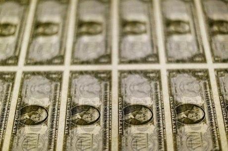 Dólar oscilou entre R$ 5,58 e R$ 5,65 na sessão