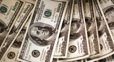 Dólar marcou R$ 5,2429 na mínima da sessão