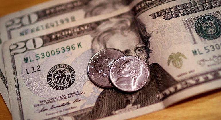 No exterior, o dólar tinha estabilidade contra moedas fortes nesta terça-feira