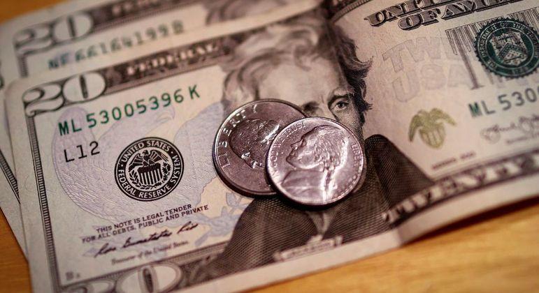 Dólar acumula alta de 4,18% em julho; em 2021, registra queda de 0,15%
