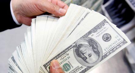 Setor externo da economia tem superávit de US$ 5,6 bi