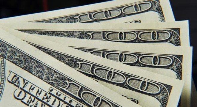 Dólar opera em alta no 1º pregão de junho e chega a R  3,75 – HT ... 338b9b0b27