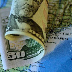 Dólar oscilou entre R$ 5,16 e R$ 5,25 na sessão