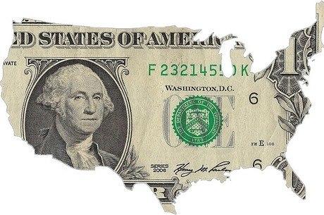 Dólar variou entre R$ 3,87 e R$ 3,94 na sessão