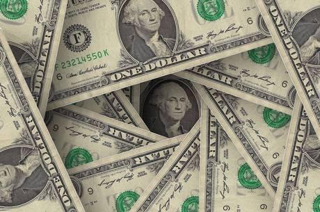 Dólar fecha em R$ 3,65, menor valor em cinco meses