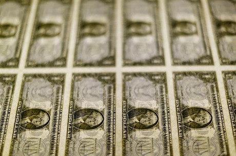 Dólar oscilou entre R$ 5,35 e R$ 5,47 ao longo do dia
