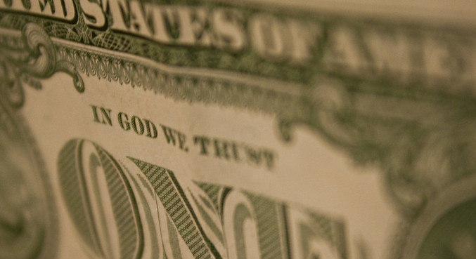 Dólar abre em alta contra o real nesta quinta-feira (04)