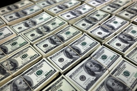 Compra fracionada de dólares é estratégia para evitar perdas - Economia -  R7 Economize