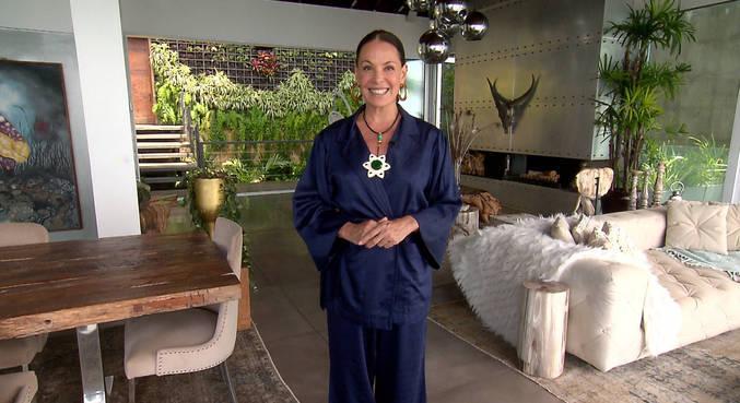 Carolina Ferraz mostra cinco mansões luxuosas para alugar no Ano Novo