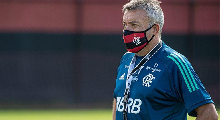 Domènec não se sentiu apoiado pela diretoria do Flamengo. Uma das razões do fracasso