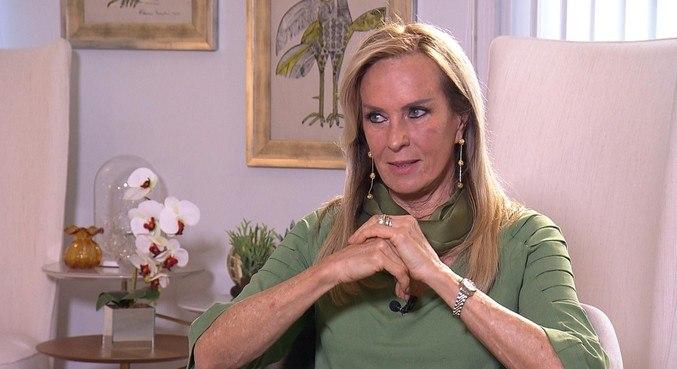 Helô Pinheiro descobriu um câncer na tireóide e já passou por uma cirurgia