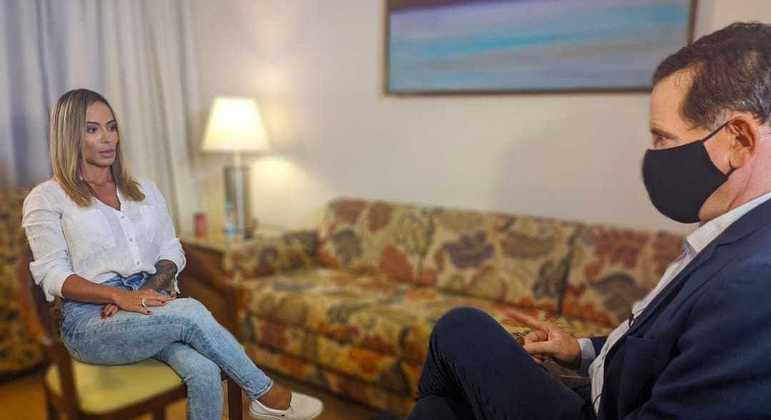 Roberto Cabrini entrevista com exclusividade Bianca Dominguez, que dá detalhes sobre o acidente do cantor