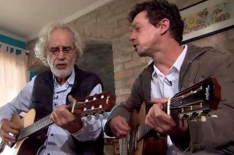 Renato Teixeira (à esquerda) faz sucesso na música