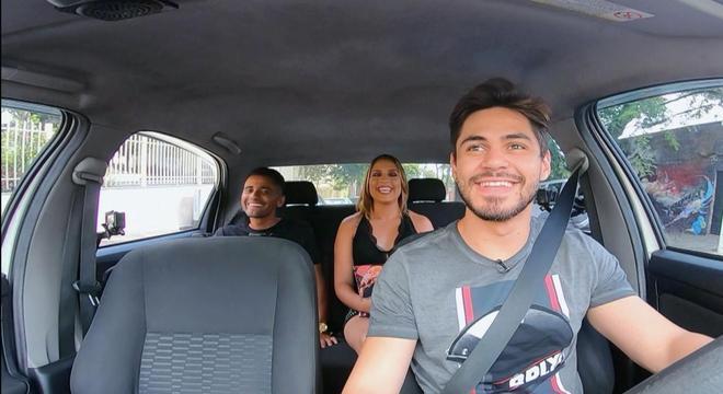 Bruno Veloso vira motorista de aplicativo em quadro