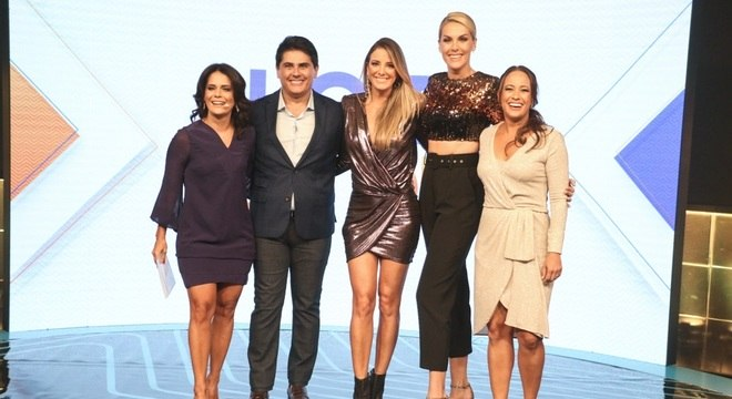 Apresentadores do 'Hoje em Dia' exaltaram a estreia nos domingos da Record TV