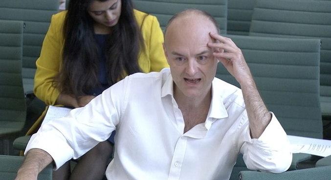 Ex-assessor de Johnson disse que resposta do governo foi desastrosa
