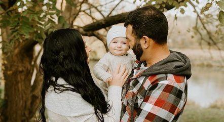 Mary e Dominic são pais de Ari Cristiano