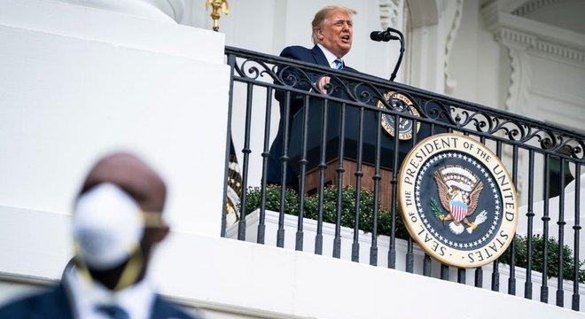 Serviço Secreto é aquele que poderia cumprir a eventual tarefa de escoltar Trump para fora da residência presidencial