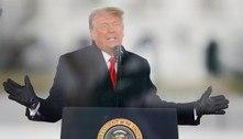 'Maior caça às bruxas da história', diz Trump sobre impeachment