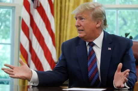 Trump chamou impeachment de 'caça às bruxas'