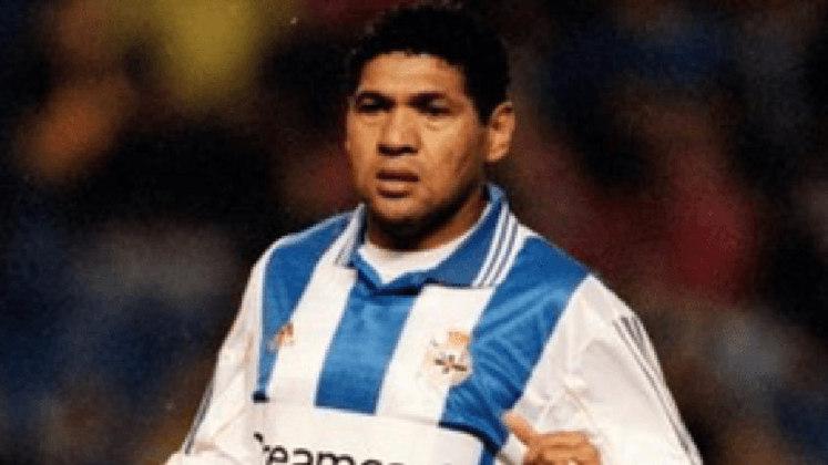 DONATO - Era zagueiro e defendeu durante 10 anos o La Coruña, entre 1993 e 2003, quando se aposentou. Donato se naturalizou espanhol em 1994 para defender a seleção. Fez isso até 1996. Foi campeão espanhol no La Coruña, além de vencer duas Copas do Rei e três Supercopas da Espanha.