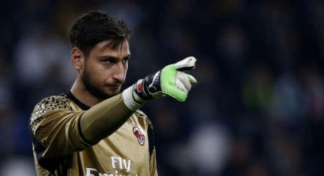 Donnarumma (21 anos) - Clube atual: Milan - Posição: goleiro - Valor de mercado: 60 milhões de euros