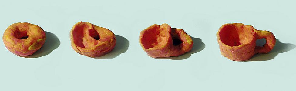 Um donut se converte em xícara (e vice-versa) sem ser quebrado