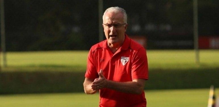 Dorival Junior - Treinou o São Paulo para substituir Ceni em 2017. Ficou até março de 2018, comandando o time em 40 partidas, com 17 vitórias, 11 empates e 12 derrotas.