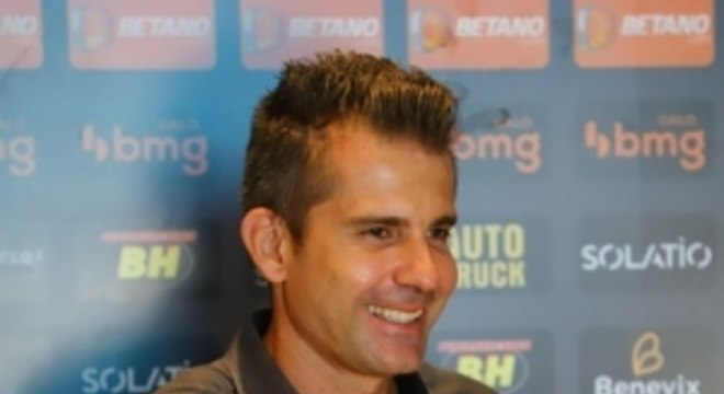 Dos campos para a gerência de futebol: o novo desafio de Victor no Galo