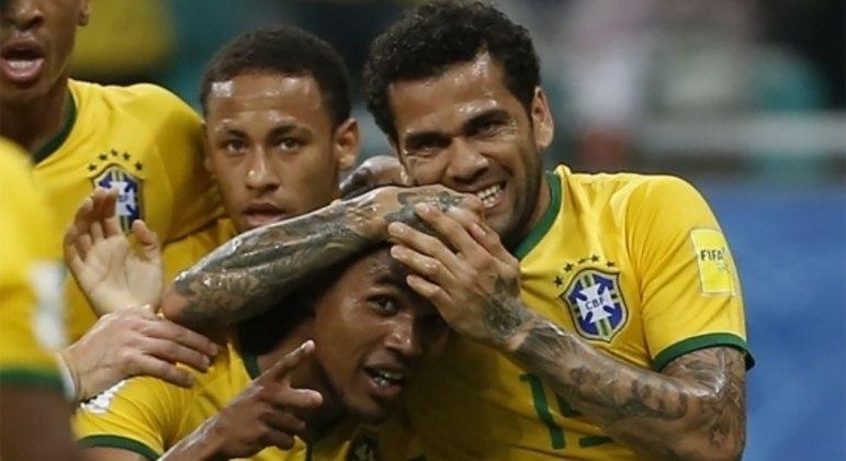 Douglas Costa quer mostrar que ainda tem potencial para disputar a Copa de 2022
