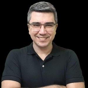 Professor Douglas Gomes