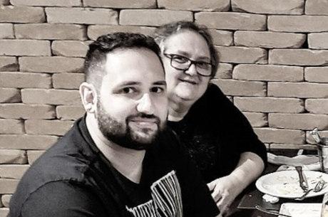 Douglas Sterzza e a mãe, Rita de Cássia