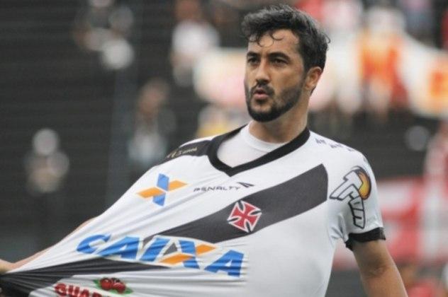 Douglas teve bons números no Vasco, mas não chegou a ser unanimidade entre a torcida