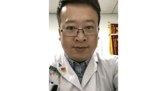 Doutor Li Wenliang alertou seus colegas sobre a possibilidade de um surto viral