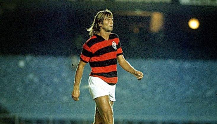 Doval: 16 gols em 1972 - Centroavante muito brigador, o argentino mostrou o faro de gol e foi peça importante para o Rubro-Negro na conquista do título daquele ano.