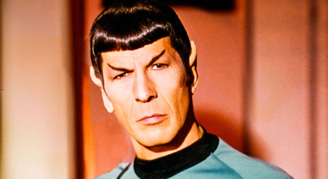 Dr Spock, alienígena tripulante da Enterprise, em Star Trek
