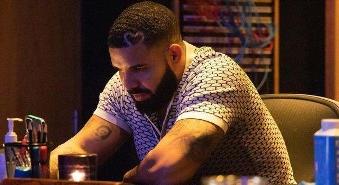 Rapper Drake foi um dos nomes que apoiaram The Weeknd na internet