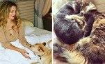 DrewBarrymore também é uma amante dos animais e, ao longo do anos, já salvou mais de dez. Em 2017, ela resgatou Douglas, um cão que estava abandonado nos fogos do vale de San Fernando, e um ano depois, ela e a filha resolveram adotar não um, mas três gatinhos