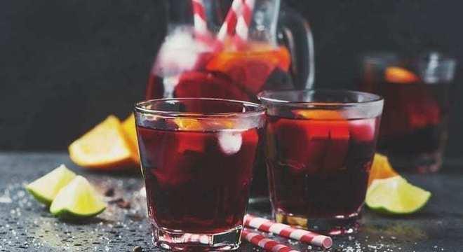 Drinks com vinho limonada com vinho