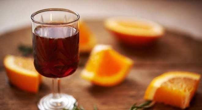 Drinks com vinho Marsala Tonic