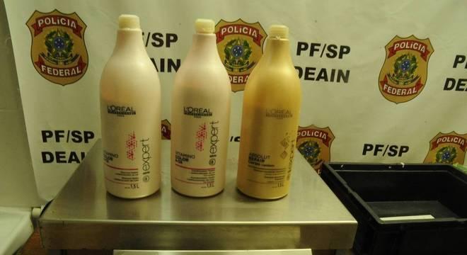 Brasileiro transportava cocaína em frascos de cosméticos