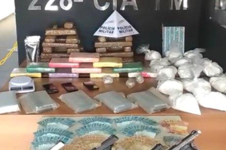 Quantidade de drogas e dinheiro impressionou a PMMG